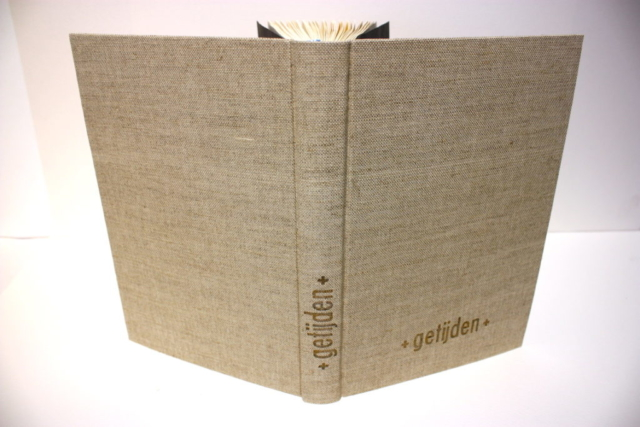 kapitaalband, boek, boekbinder, boekbinden, ronde rug, foliedruk, natuurlinnen, handgemaakt