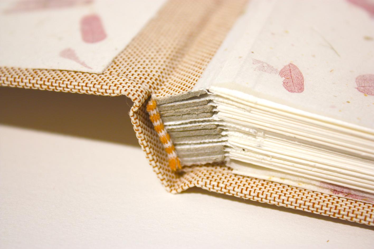 boekbinden boekbinder fotoalbum atlasbinding natuurlinnen papier handgemaakt fotokarton zuurvrij papier