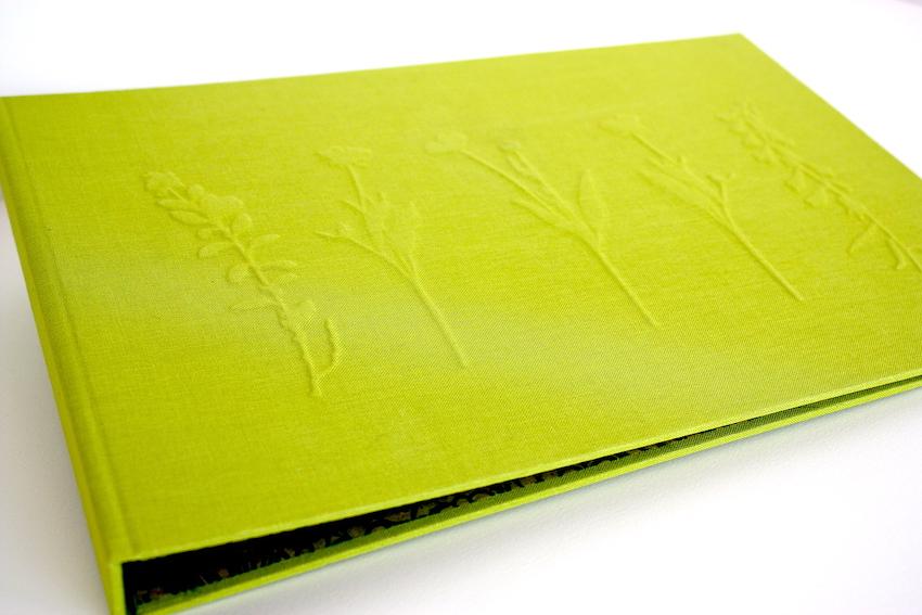 ringband, preeg, groen, natuurlinnen, boekbinden, boekbinder,  2-rings, handgemaakt, A4, portrait,  bloemen