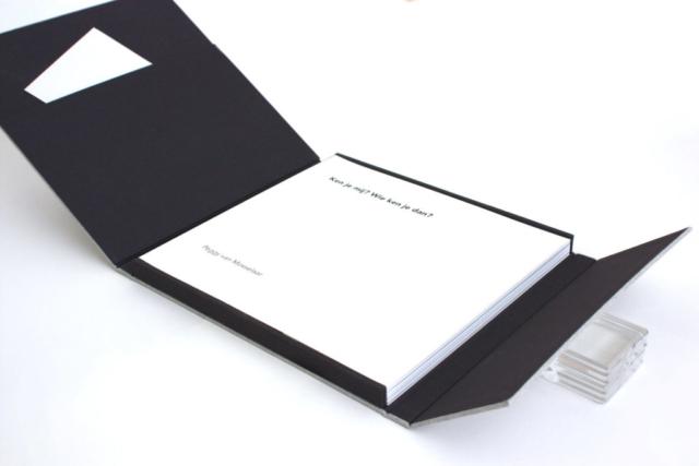 Foto portfolio, portfolio, foto, bewaardoos, linnen, fotograaf, fine art print, natuurlinnen, op maat gemaakt, custom, Beschermdoos, bewaardoos, fotoboek, boekbinder,  boekbinden, kartonnage, hand gemaakt